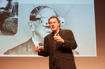 Gerd Leonhard ist Futurist und Zukunftsberater, internationaler Keynote-Speaker und Strategie-Coach, Autor, Gründer und CEO von 'The Futures Agency'.